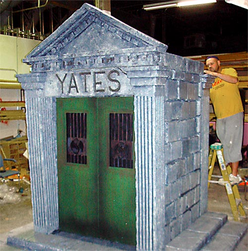 Constructing a Mausoleum Set Piece